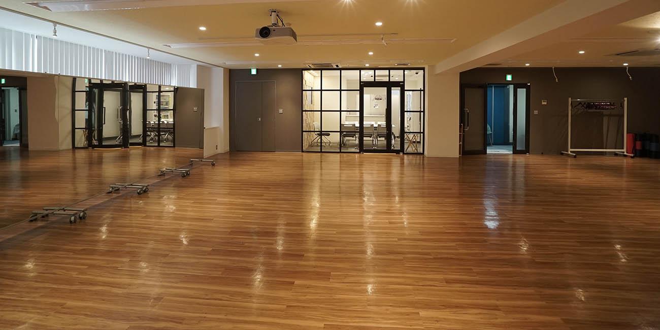 大会議室&スタジオーミラー設備|スペースパートナー