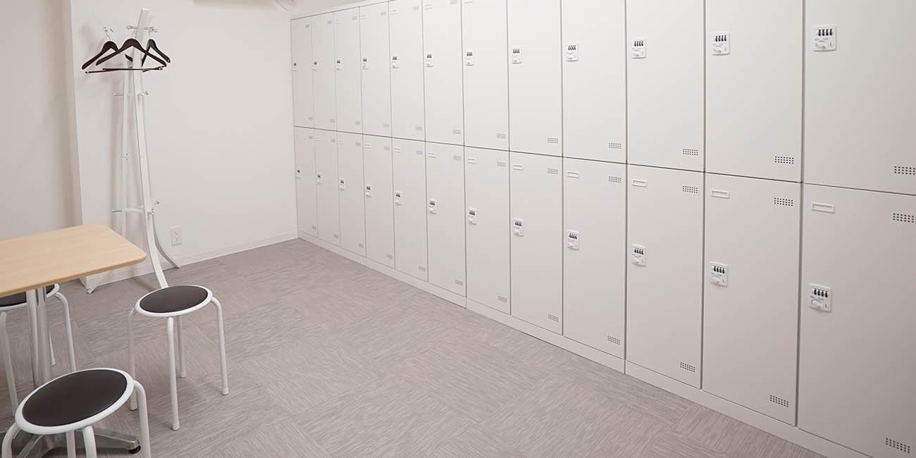 男性更衣室完備|スペースパートナー